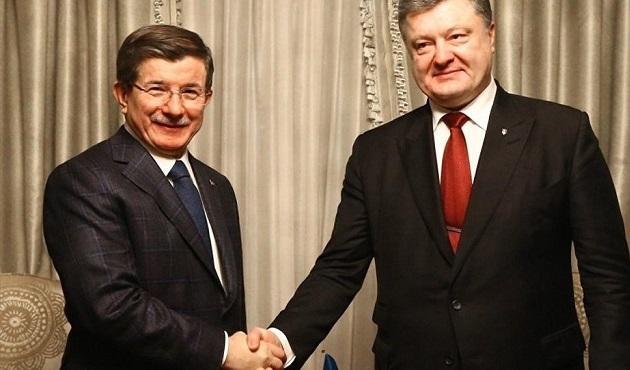 Davutoğlu ve Poroşenko, Davos'ta görüştü