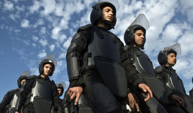 Mısır'da meydanlara binlerce asker konuşlandırıldı