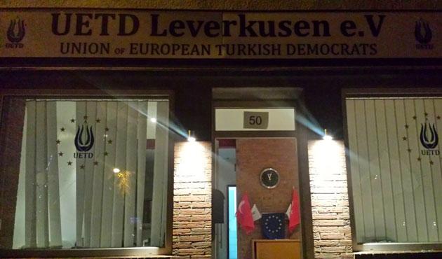Almanya'da Türk derneğine taşlı saldırı