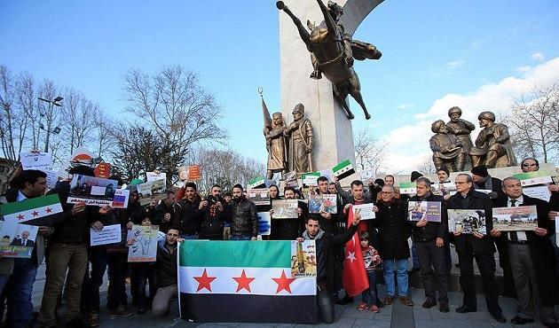 İstanbul'da Suriye'deki saldırılar protesto edildi