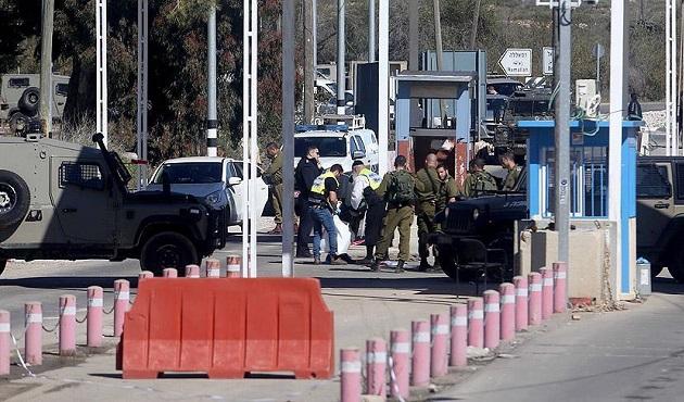 İşgal güçleri Ramallah'ın girişini kapattı