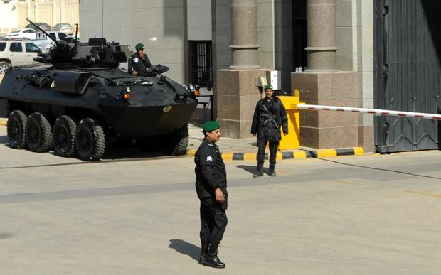 Suudiler 10 ABD vatandaşını terör şüphesiyle tutukladı