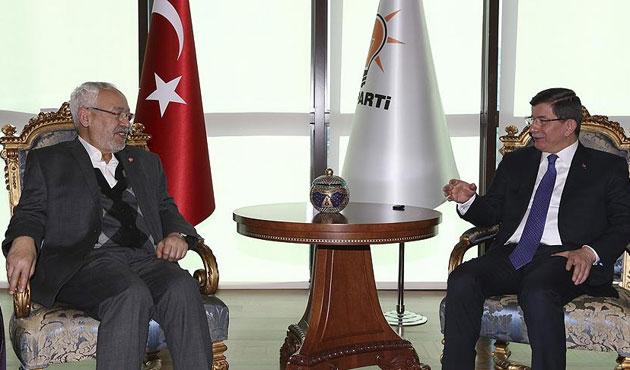 Başbakan Davutoğlu Gannuşi ile görüştü