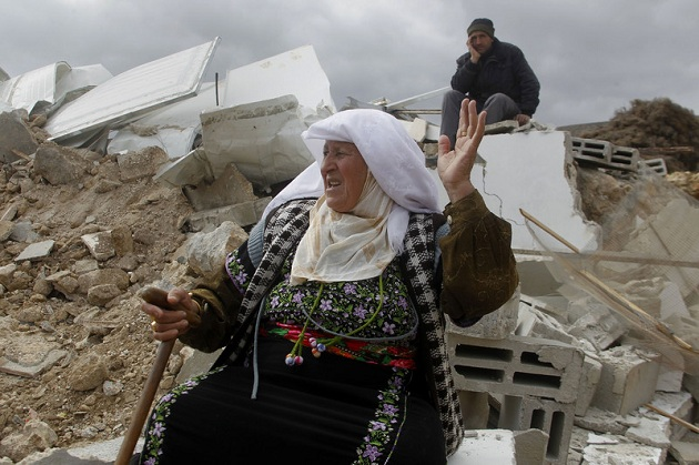 İsrail önce evlerini yıktı, sonra dava açtı