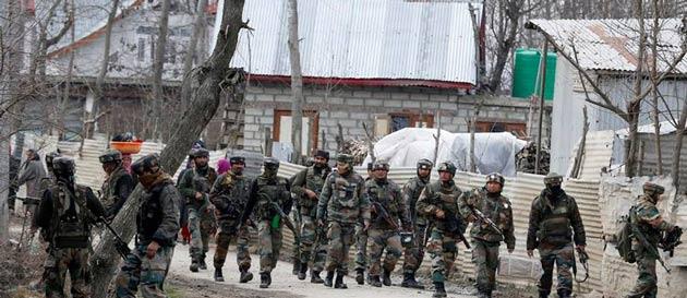 Keşmir'de cuma sonrası çatışma