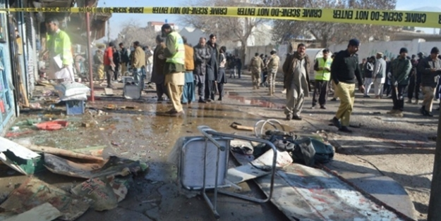 Pakistan'da intihar saldırısı: 8 ölü, 35 yaralı