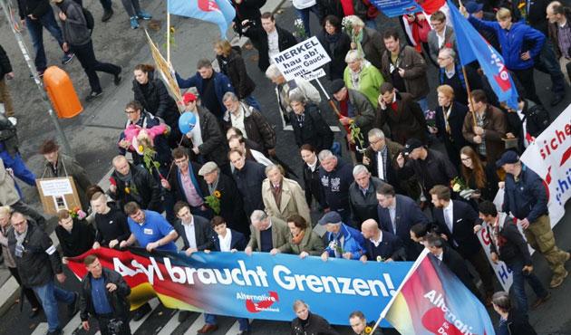 Avrupa'da hem AB, hem İslam karşıtı partilerin yükselişi