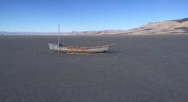 Dev göl buhar oldu