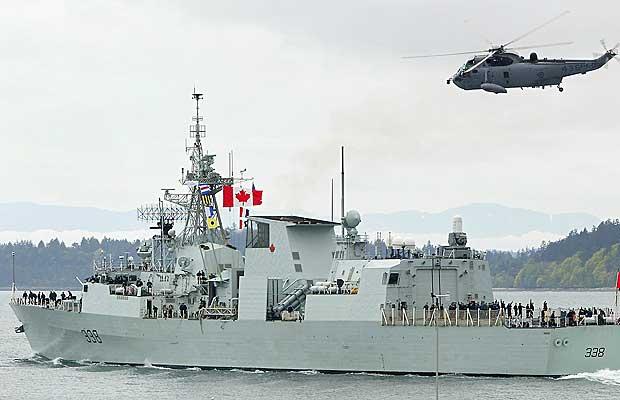 Kanada savaş gemisi mülteciler için yola çıktı
