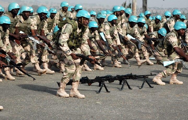 Nijerya'da üst düzey askerlere yolsuzluk davası