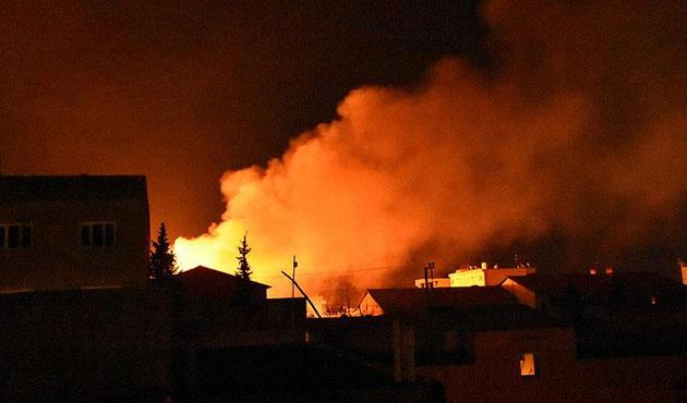 Nusaybin'de okular ateşe verildi