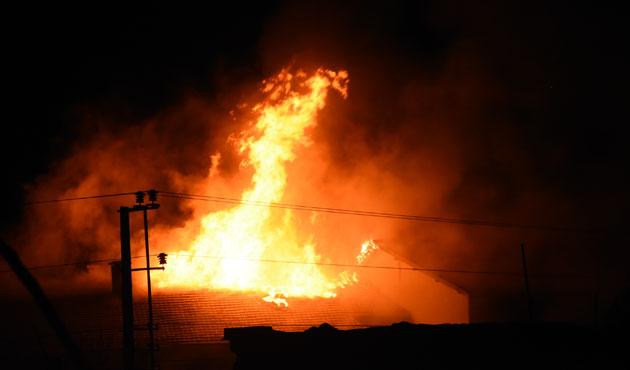 PKK Nusaybin'de bir okul daha yaktı