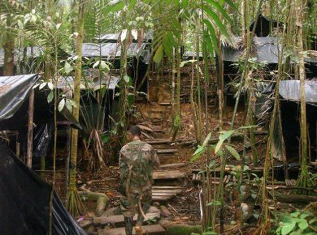 Kolombiya'dan FARC barışına pürüz
