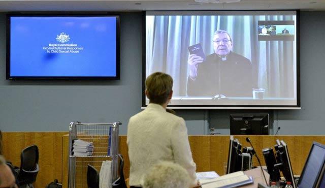 Vatikan Kardinali Pell'den kiliseye suçlama