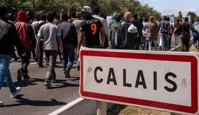 Calais sığınmacı kampında kavga: 2 ağır yaralı