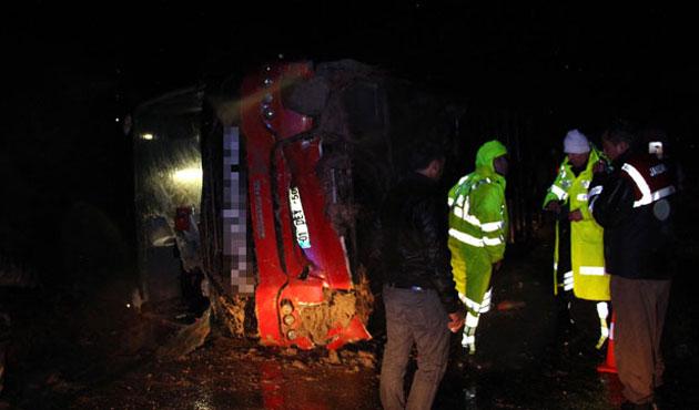 Isparta'da otobüs devrildi; 18 yaralı