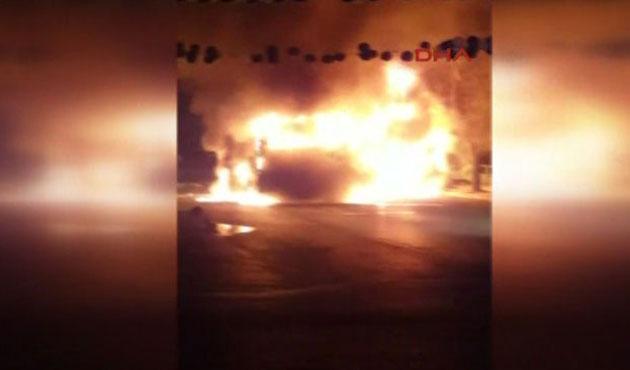 İstanbul'da halk otobüsü ateşe verildi