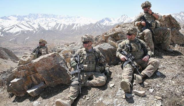 ABD'den Afganistan'a hem asker hem de barış taktiği!