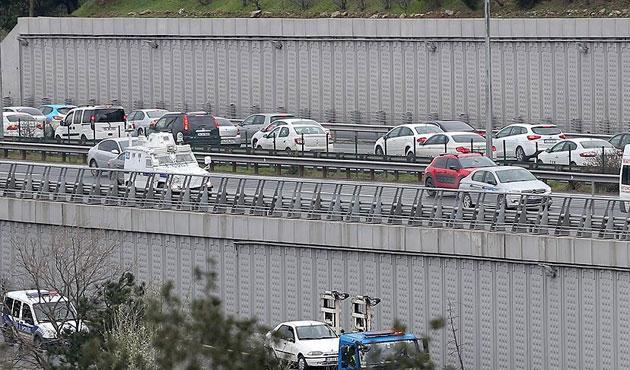 Boğaziçi Köprüsü'nde bomba alarmı; geçişler durdu