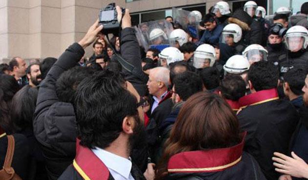 Bursa'da gözaltına alınan 19 polis adliyede
