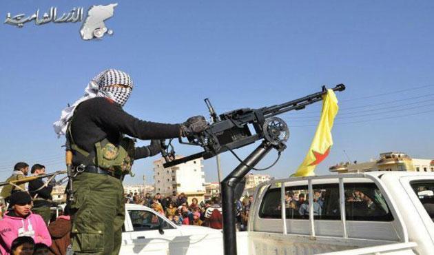 YPG Kamışlı'da rejimle çatışıyor