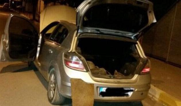 İzmir'de durdurulan araçtan bomba düzenekleri çıktı