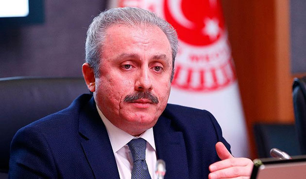 AK Parti'nin anayasa teklifinde laiklik var