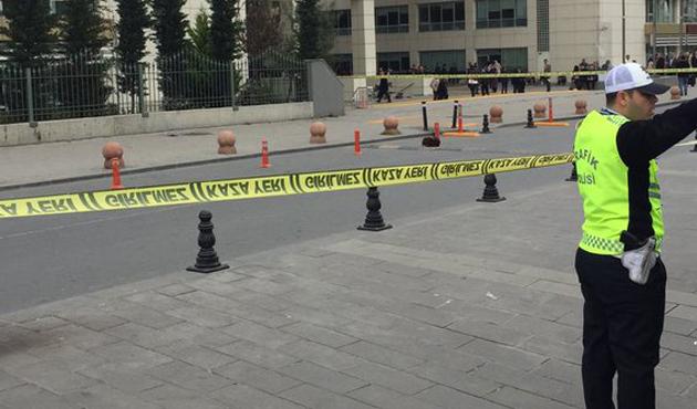 İstanbul Emniyeti önünde bomba şüphesi!
