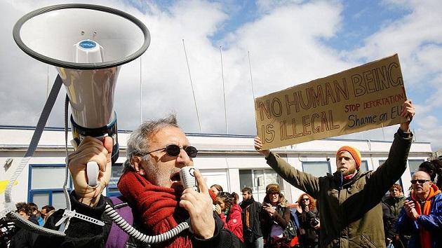 Sığınmacıların koşullarına Midilli'de protesto
