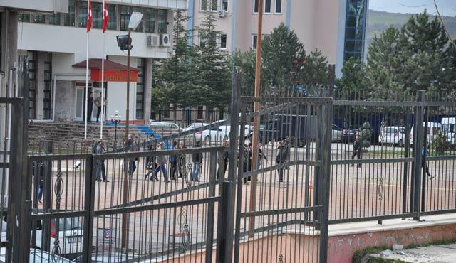 Tunceli Valiliğine DHKP-C'den bombalı saldırı