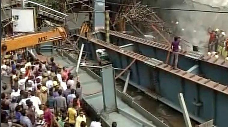 Hindistan'da köprü çöktü; 21 ölü