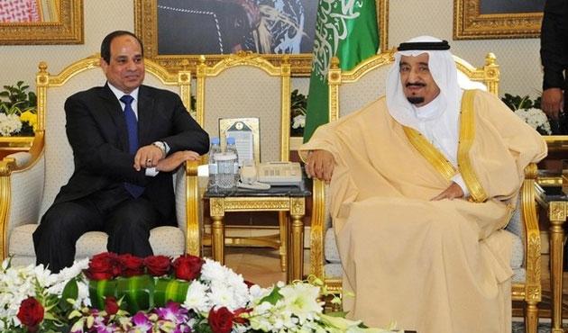 Mısır'da Sisi'ye 'ada' tepkisi