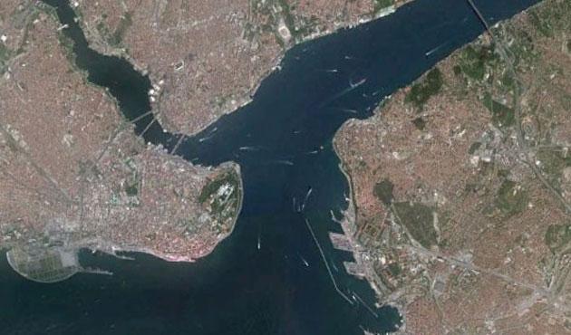 İstanbul Boğazı'na  yaya yolu