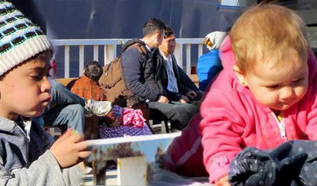 İzmir'de 45 mülteci yakalandı