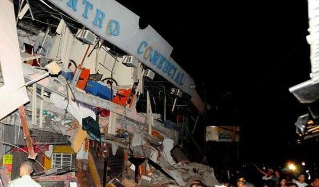 Ekvador'daki depremin bilançosu büyüyor