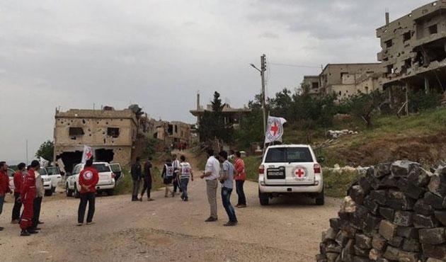 Suriye'de kuşatma altındaki Rastan'a insani yardım