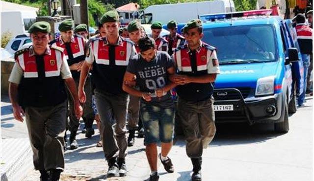 Çanakkale'de 11 insan kaçakçısı yakalandı