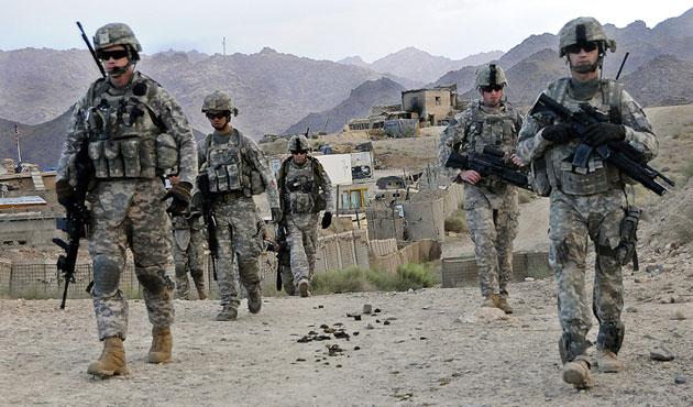 ABD'den Suriye'ye 250 asker...