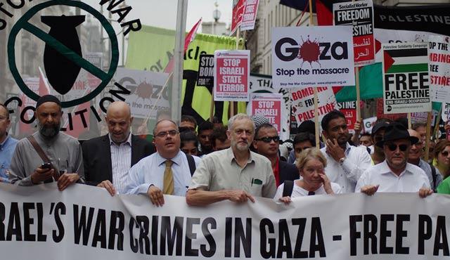 İngiltere'de muhalefet liderine karşı antisemitizm kampanyası