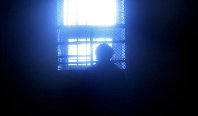 Mısır'da darbe karşıtlarına 25 yıl hapis