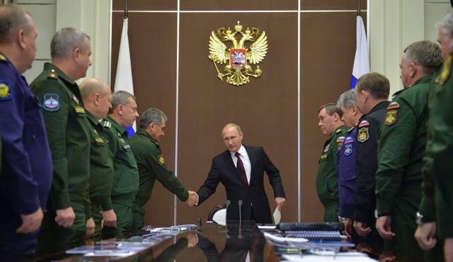 Rusya'nın Kırım'a yığınağı devam ediyor