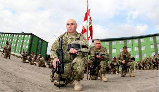 Gürcistan'da zorunlu askerlik uygulaması kaldırıldı