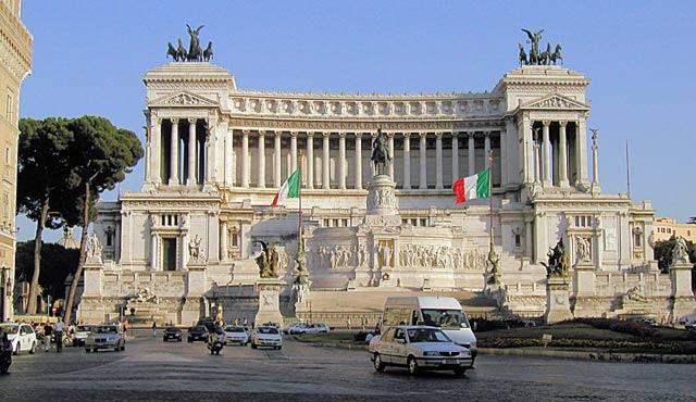 İtalya'da Yahudi soykırımını inkar edenlere hapis cezası