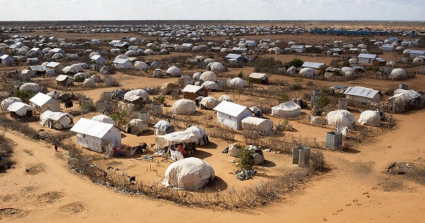 Dünyanın en büyük kampı Kasım'da kapatılıyor