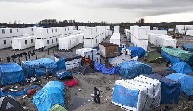 Fransa'da sığınmacı kampında yemek kavgası: Üç ölü