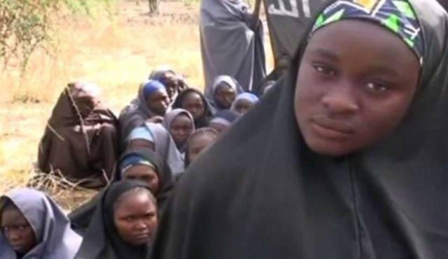 Nijerya'da kaçırılan kız öğrencilerden biri daha bulundu