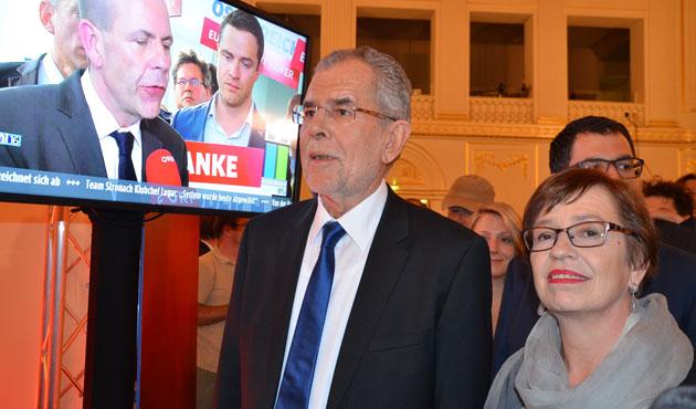Avusturya'da yeni cumhurbaşkanı aşırı sağcı Hofer