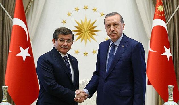 Erdoğan Davutoğlu'nun istifasını kabul etti