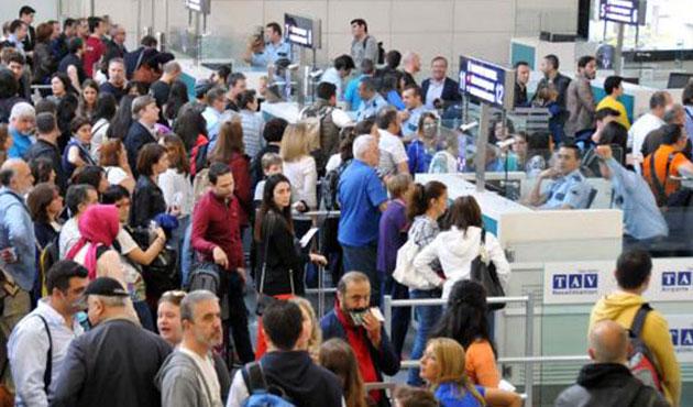 Atatürk Havalimanı'nda yoğun trafik