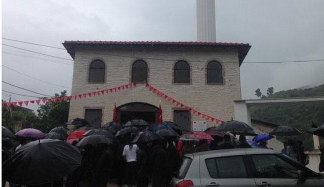 Delvina Albay Niyazi Bey Camii ihya edildi